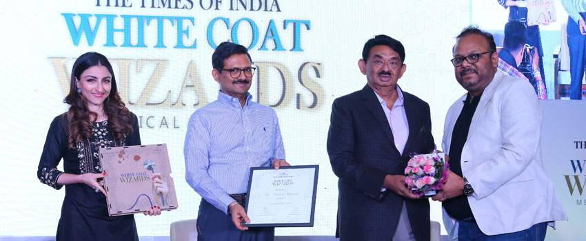 DR MANISH KHAITAN, DIRECTOR, NOBESITY HONORED AS TIMES OF INDIA WHITE COAT WIZARD OF GUJARAT IN BARIATRIC SURGERY